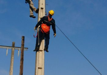 برگزاری دوره رعایت ایمنی در شبکه های توزیع برق ویژه پیمانکاران